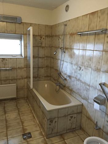 Badkamer voor de verbouwing